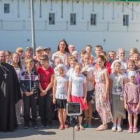 Репортаж о благотворительном паломничестве детей и взрослых из многодетных и малоимущих семей Московской области к святыням Крыма