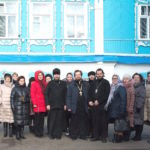 Гости на приходе Богоявленского храма города Коломны